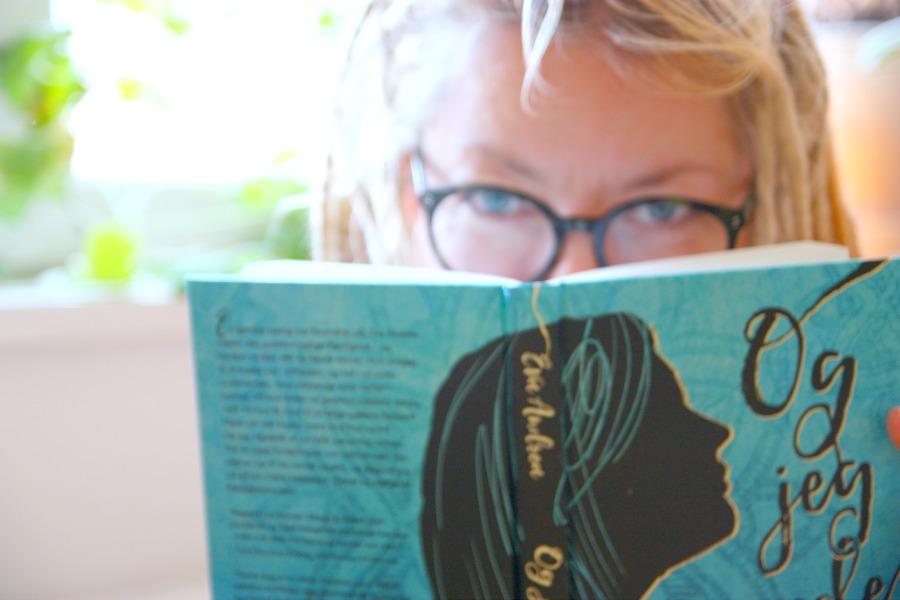 """LUKKET – """"Og jeg vågnede"""" – give away med Eva Andreas vidunderlige bog."""